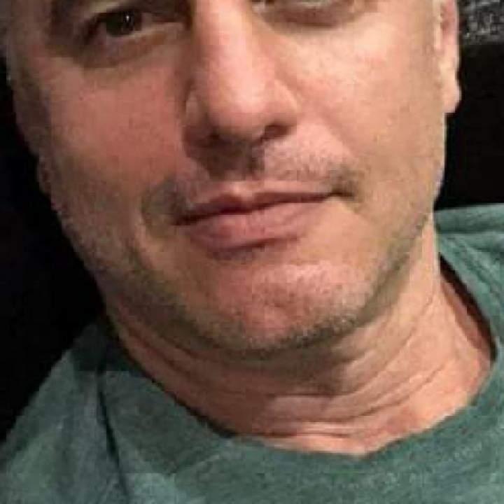 Daddy Photo On Istanbul Gays Club