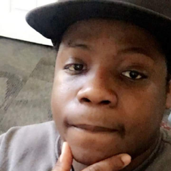 Horrid Photo On St. Louis Swingers Club