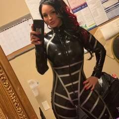 Mistress Rubbersdoll