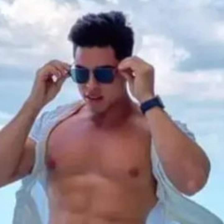 Jay Photo On Pune Gays Club