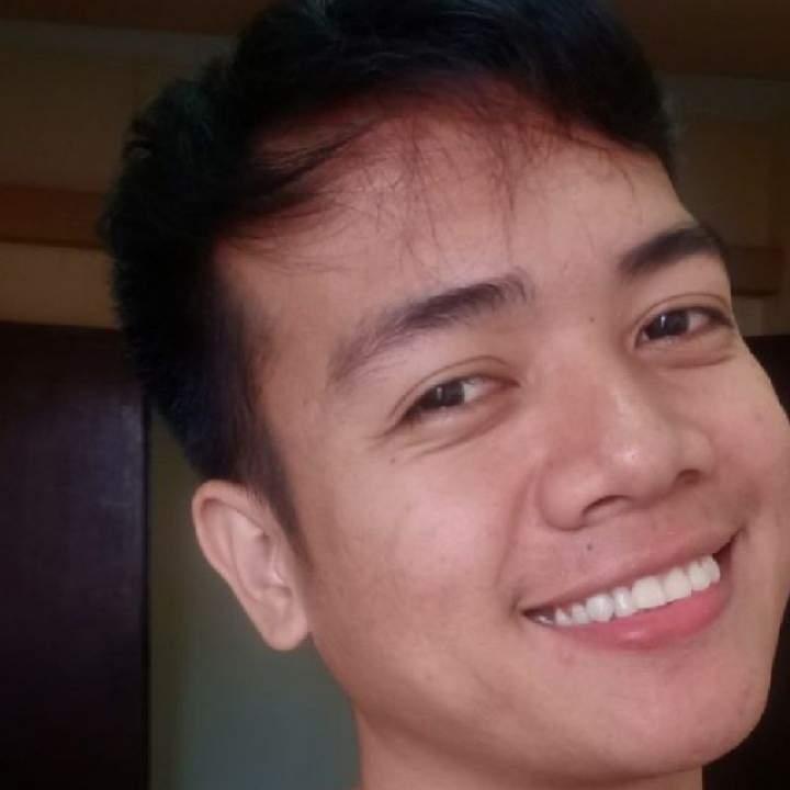 Rowel Photo On Quezon City Gays Club