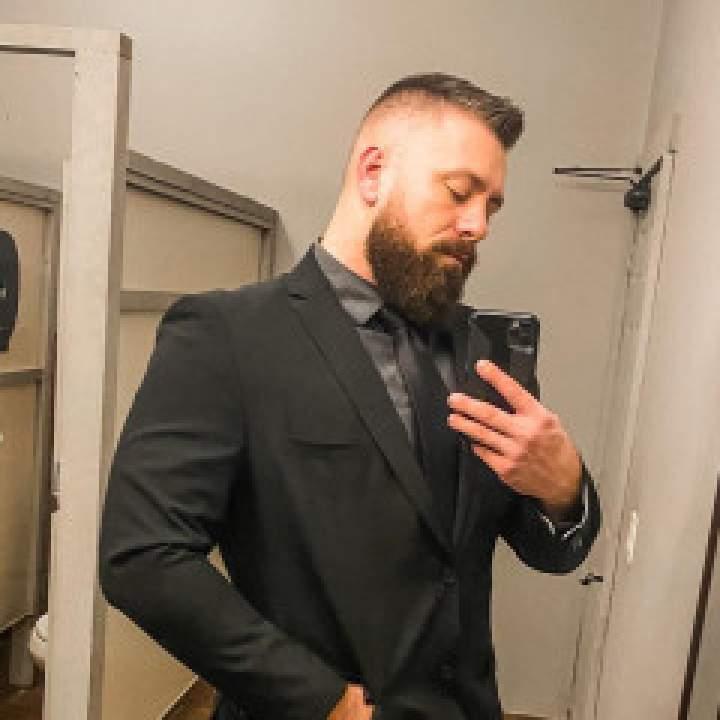 Edward Photo On Buffalo Gays Club