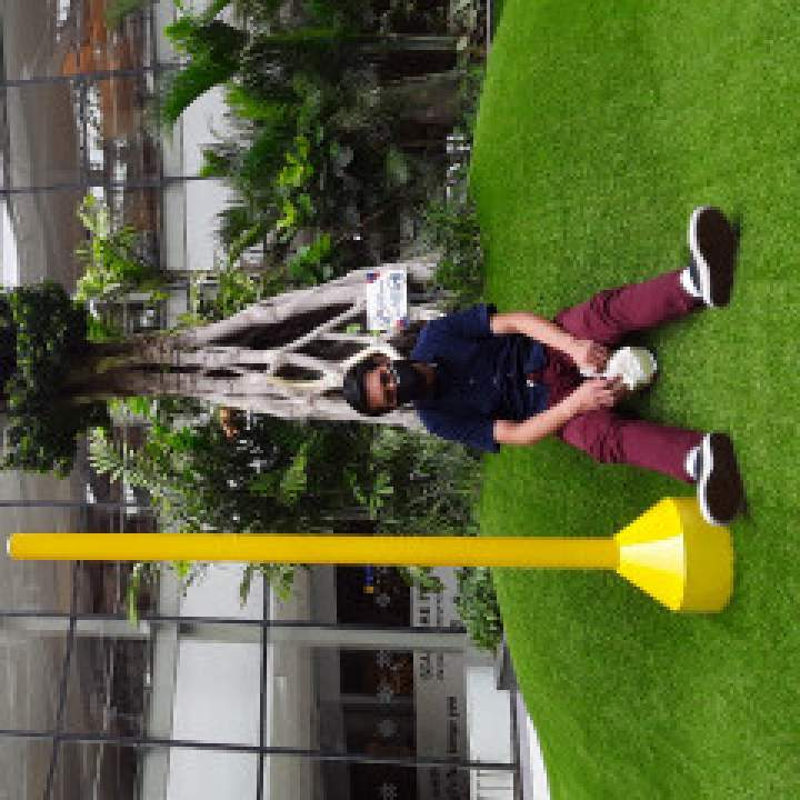 Demoz Photo On Medan Gays Club