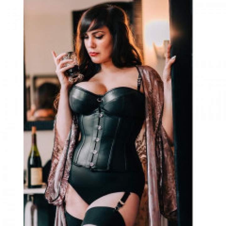 Mistress Terra Photo On New York Kinkers Club