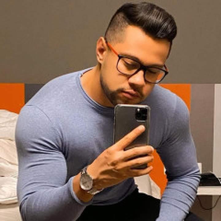 Frank Photo On New York Gays Club