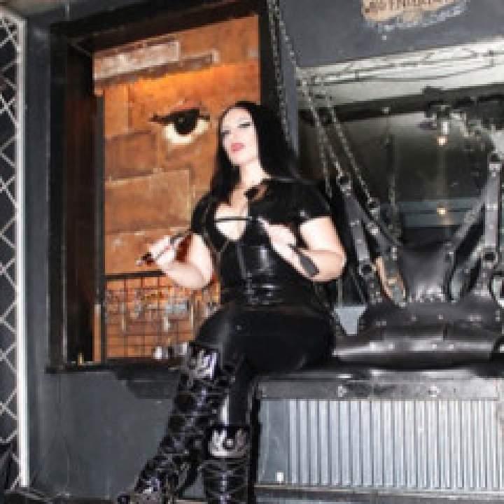Mistress Goddenss Photo On California Kinkers Club