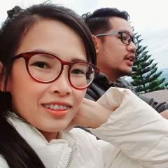 Mr.e & Mrs.m