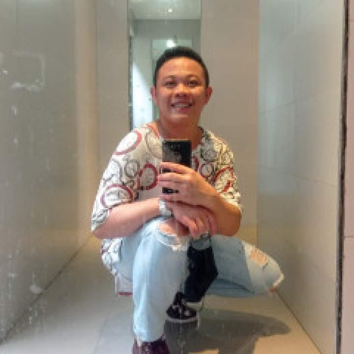 Carl Photo On Manila Gays Club