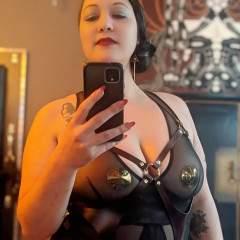 Mistress Viola