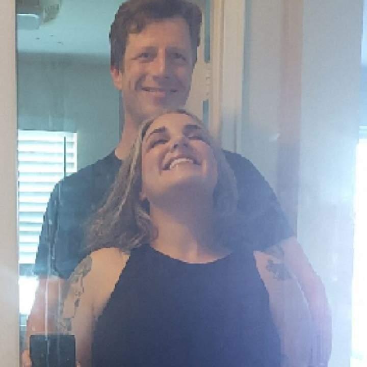 Chill Couple Photo On North Carolina Swingers Club