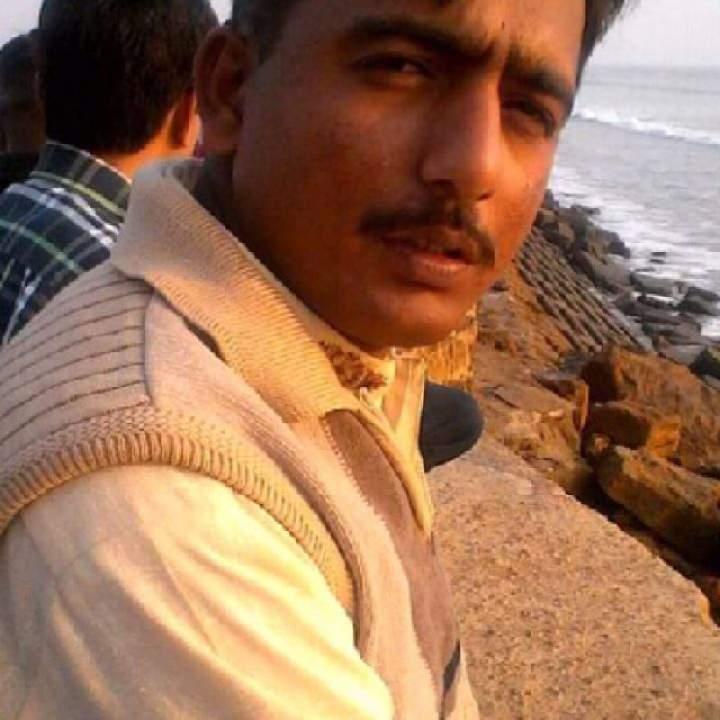 Lucky Photo On Faisalabad Gays Club