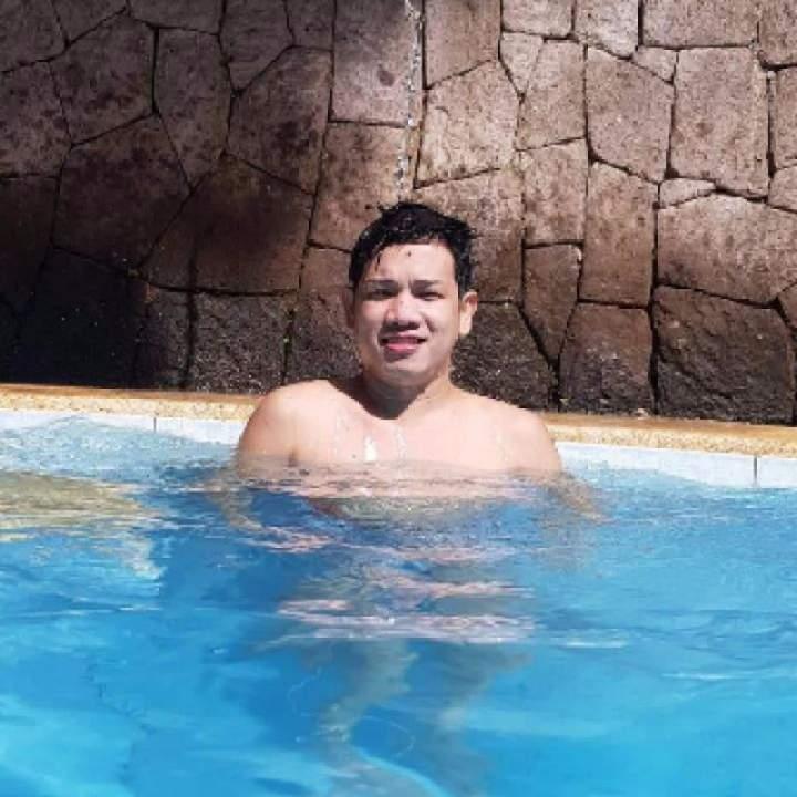 Marlon Photo On Quezon City Gays Club