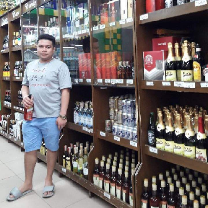 Marcoz Photo On Manila Gays Club