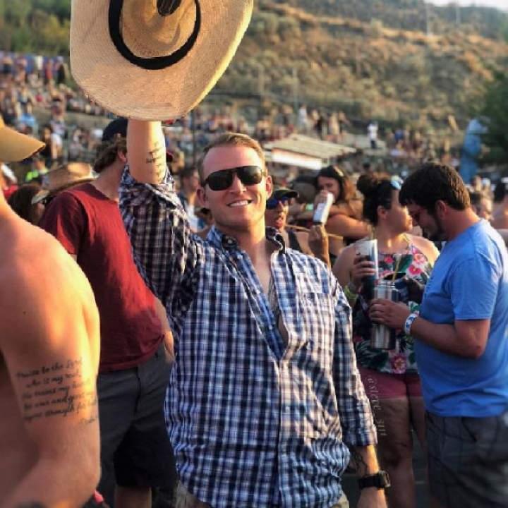 Steve Photo On Toronto Gays Club