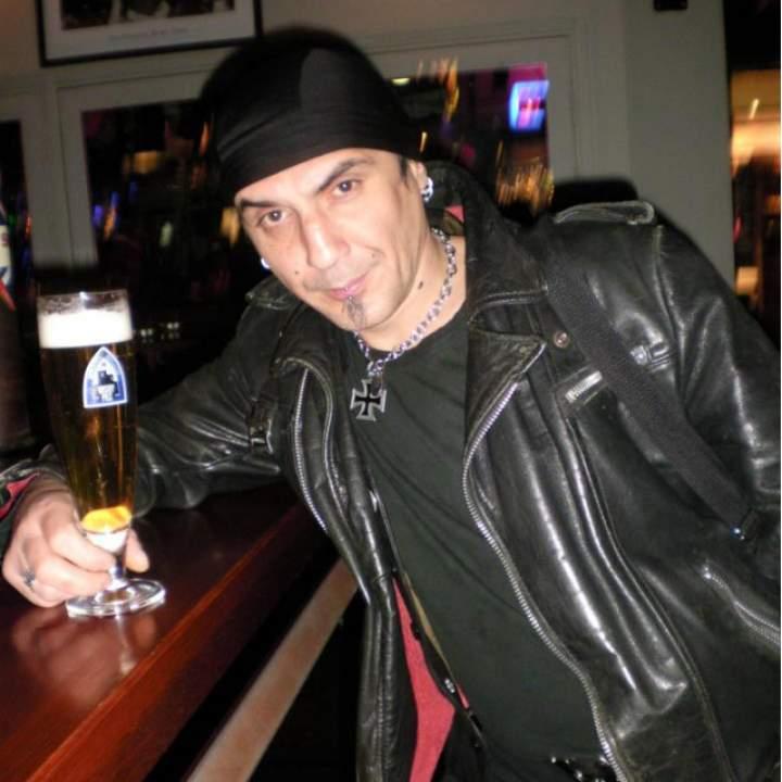 Roberto Photo On Negotin Swingers Club