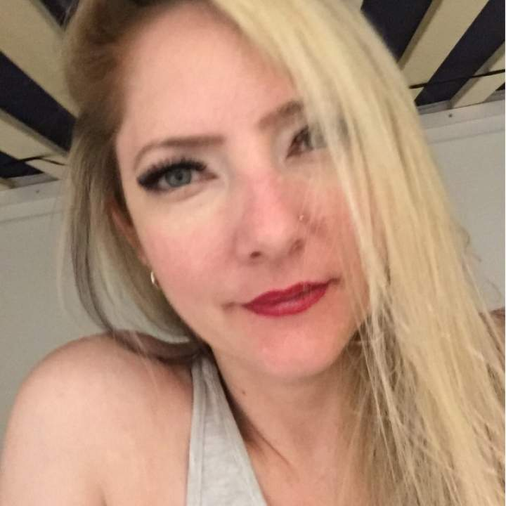 Crysie Photo On Vancouver Swingers Club