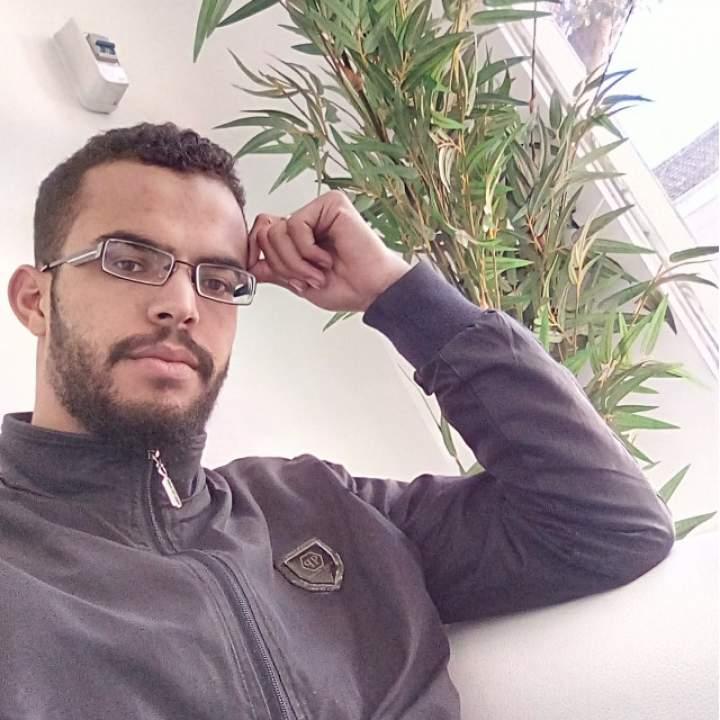 Amri Salah Photo On Kinkdom.club